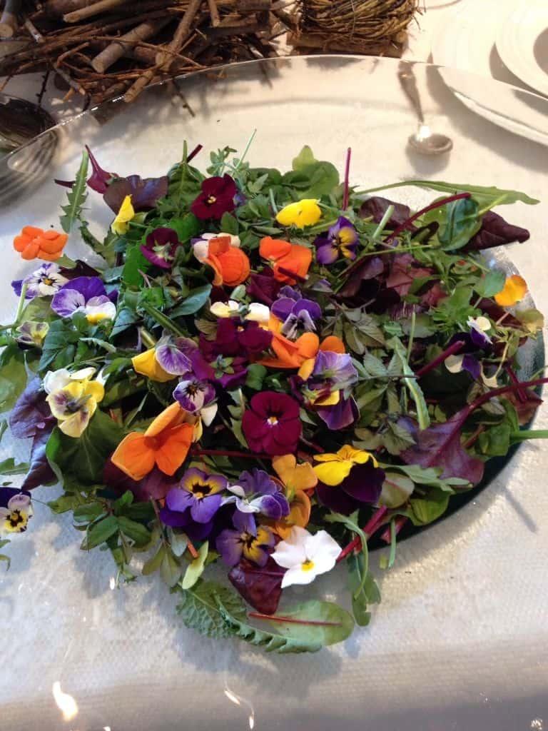 Wildkräuter und essbare Blüten